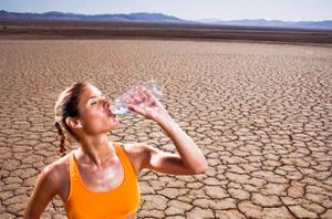 сколько нужно пить воды взрослому человеку в день