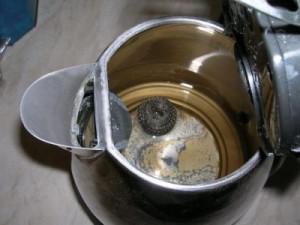 белый налет в чайнике