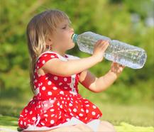 Как заставить ребенка или малыша пить воду